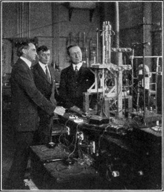 Irving_Langmuir_and_Guglielmo_Marconi_in_lab.jpg